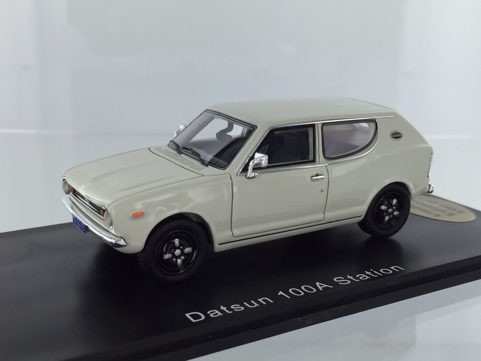 Datsun 100a Station Wit