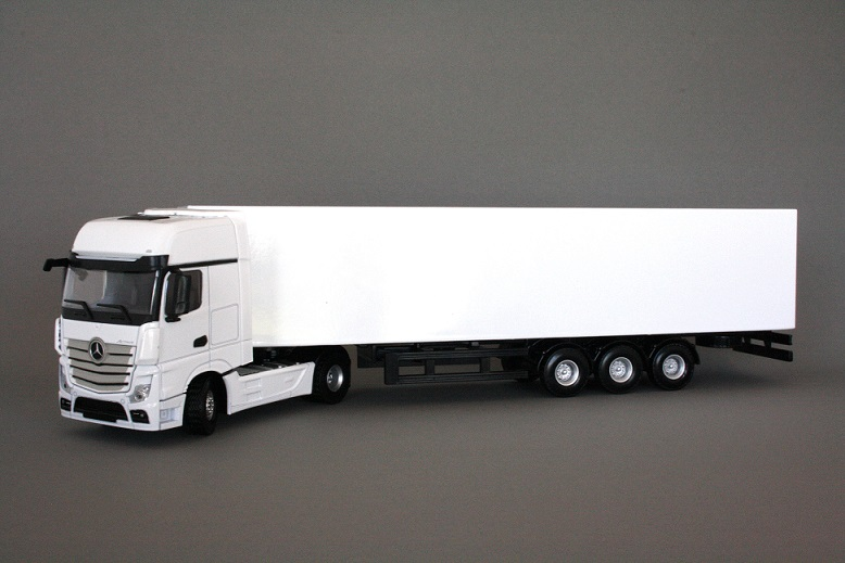 Mercedes-Benz Actros MP4 Gigaspace 4x2 White with Trailer