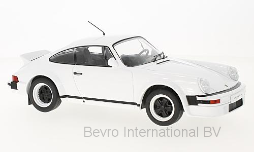Porsche 911 1982 White - Plain Body version