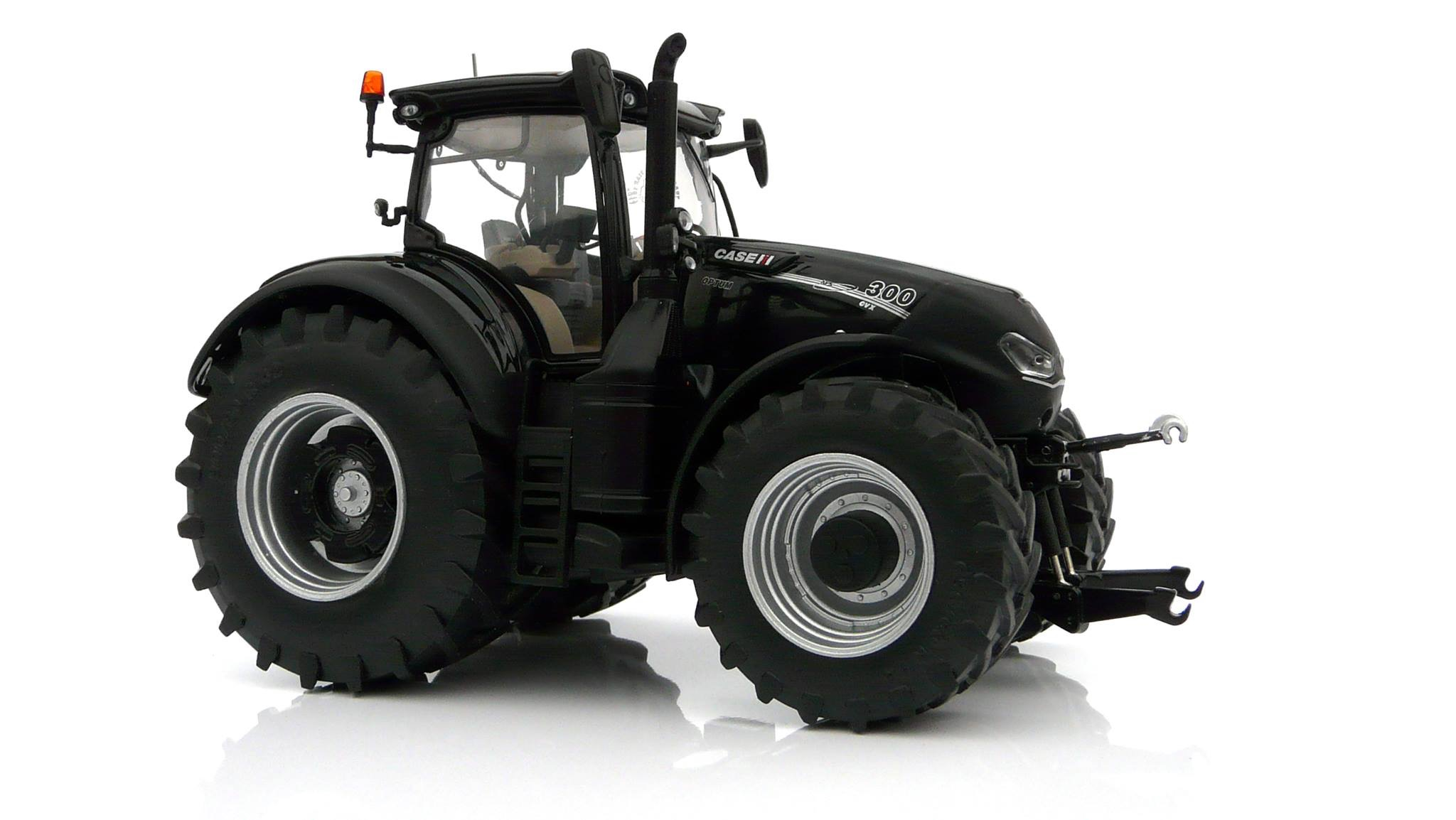 Case IH Optum 300 CVX - Black Edition