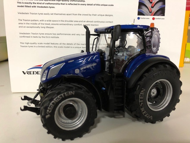 New Holland T7.315 Blue Power - Vredestein Edition