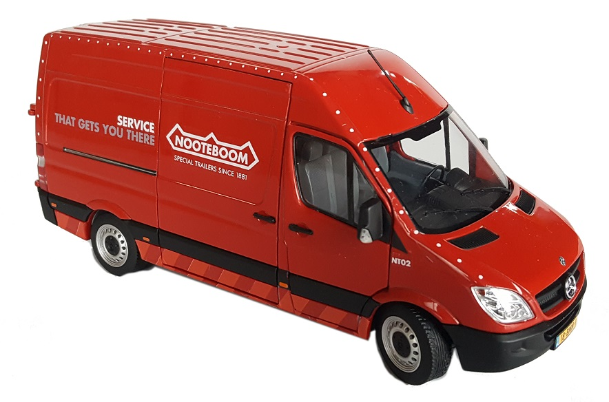 Mercedes-Benz Sprinter Rood - Nooteboom Edition