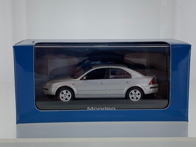 Ford Mondeo 2001 Zilver Metallic