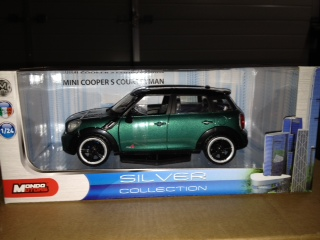 Mini Cooper Countryman Groen 1:24