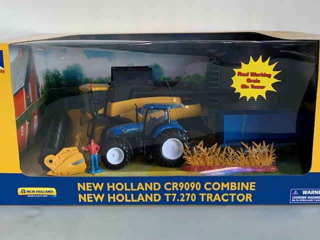 New Holland CR9090 + New Holland T7.270 Speelset - 1:32