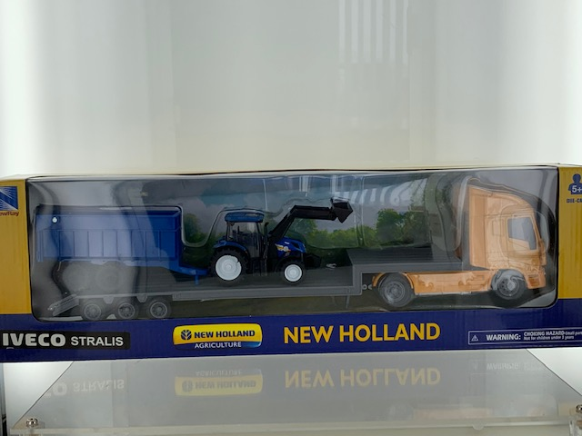 Iveco Truck + New Holland T6 met Trailer - 1:43