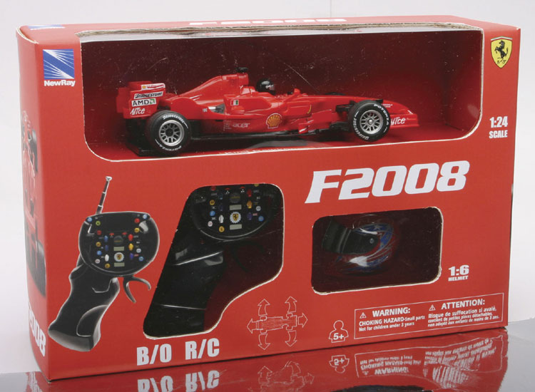 Ferrari F2008 F. Massa plus Helm RC - 1:24