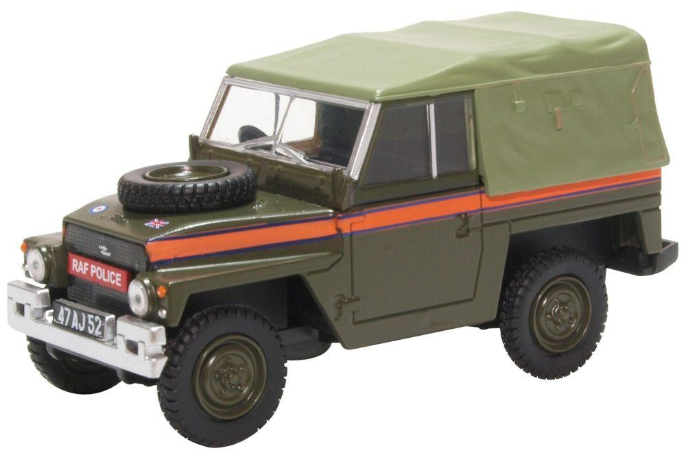 Land Rover Light Weight Canvas RAF Police - 1:43