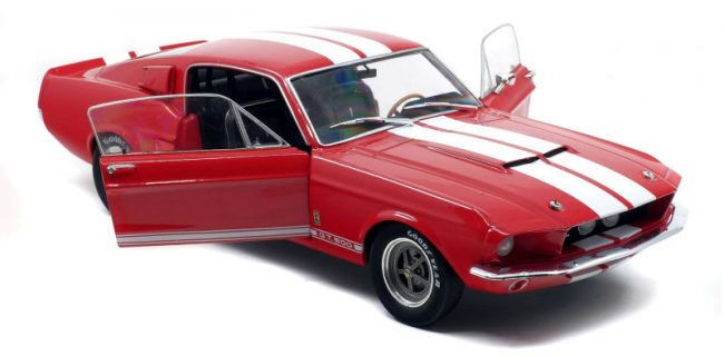 Ford Mustang GT500 Rood/Wit - 1:18