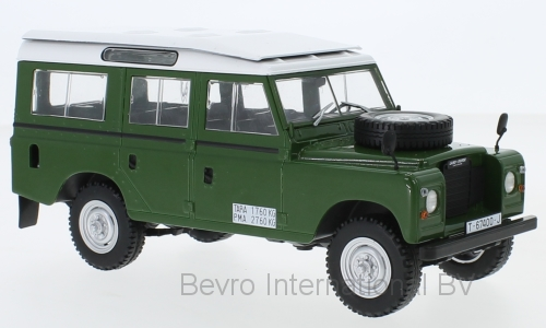 Land Rover Series III 109 1980 Groen - 1:24